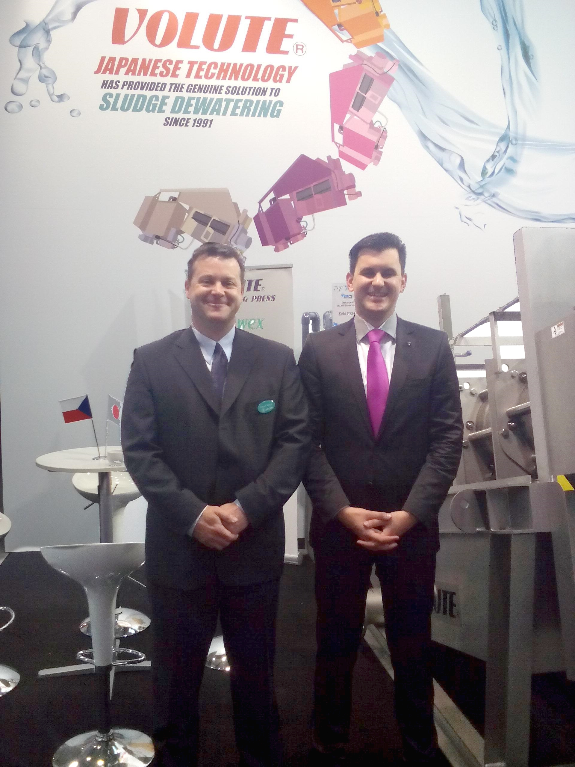 Richard and Jan at VODKA presenting the VOLUTE™ Dewatering press